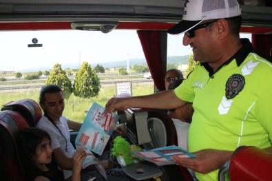 Şoför Baba Ve Annelerini Çocuklar Değerlendirip Karne Verecekler