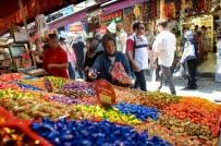 Tezgahlarda Hurmaların Yerini Bayram Şekerleri Aldı