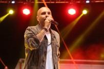 MÜZİK GRUBU - Bilecik'te Gripin Konserine Yoğun İlgi
