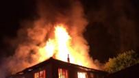 İTFAİYE ARACI - İki Ayrı Noktada Çıkan Yangında Alevler Gökyüzüne Ulaştı
