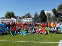 KEMER BELEDİYESİ - Kemer'de  Dostluk Ve Kardeşlik Futbol Turnuvası