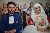 ÇIÇEKLI - Aşiret Düğününde Damada 200 Bin Lira, Geline 1 Kilo Altın Takıldı