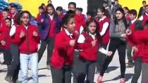 Derse Dans Ve Sporla Başlıyorlar