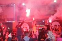 Galatasaraylı Taraftarların Liderlik Sevinci