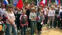 Ruslar Zafer Günü'nü Kutladı