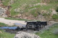 SERVİS ŞOFÖRÜ - Silopi'de EYP Öğrenci Servisinin Geçişi Sırasında Patladı Açıklaması 2 Ölü