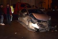 Malatya'da İki Otomobil Çarpıştı Açıklaması 1 Yaralı