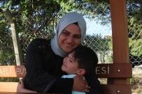 (Özel) Konuşamayan Oğlu İçin Çareyi Son Umut Olarak Geldiği Türkiye'de Buldu