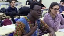 ŞARKı SÖZÜ - İzmirli Arkadaşları Zimbabveli İsa'nın Yeni Ailesi Oldu