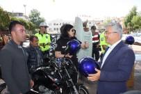 MUSTAFA YIĞIT - Karayolu Trafik Haftasında Motosiklet Sürücülerine Kask Dağıtıldı