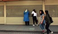KUYUMCU DÜKKANI - Kocaeli'de Bir Gecede Kapatılan Kuyumcu Mağazası Onlarca İnsanı Mağdur Etti