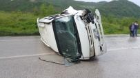 Minibüsle Otomobil Çarpıştı Açıklaması 1 Ölü, 1 Yaralı