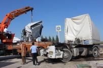 Nusaybin İpek Yolu'nda İki Tır Çarpıştı Açıklaması 1 Yaralı