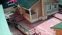 Park Halindeki Minibüsün Yanması Güvenlik Kamerasına Yansıdı