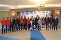 HÜSEYİN ÇELİK - Şampiyon Sporcular Vali Memiş'i Ziyaret Etti