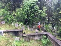 Bartın'da Mezarlıklar Temizleniyor