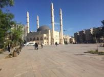 Mardin'de Vatandaşlar Belediyenin İftar Çadırı Kurmamasına Tepki Gösterdi