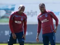 KENDİ KALESİNE - Trabzonspor'un yabancıları ligdeki 10 takıma bedel
