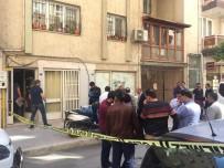 İZMIR ADLI TıP KURUMU - İzmir'de Su Dağıtımı Yapan 2 Genç Ölü Bulundu