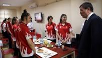 Rektör Ayrancı İftarda Milli Sporcularla Bir Araya Geldi