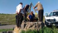 TEKNIK MALZEME - Su Kuyusuna Düşen Kedi Kurtarıldı