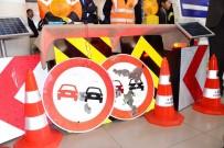 Trafik Levhasına Kurşun Sıkanlara Tepki Gösteren Vali Açıklaması 'İşte Bu Yüzden Silah Ruhsatını İmzalamıyoruz'