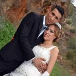 PARMAK İZİ - Boşanmak İstediği Eşinin Silahı Tutukluk Yapınca Ölümden Kurtuldu