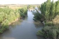 Dicle Nehri'nde Balık Tutan Genç Akıntıya Kapıldı