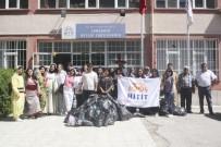 Üniversite Öğrencileri, Köy Köy Gezip 'İyilik Dağıttılar'