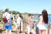 Antalya Sezonu 2 Milyona Yakın Turistle Açtı