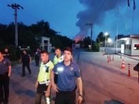 Kocaeli'de Kartepe'de Bir Fabrikada Yangın Çıktı