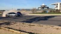 Trafikteki Lüks Araçların Tehlikeli Drift Şovu Kamerada