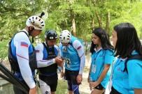 Dünya Şampiyonasının 'Rehber' Öğrencileri