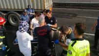 D100 KARAYOLU - Kocaeli'de 2 Tır Çarpıştı Açıklaması 1 Yaralı