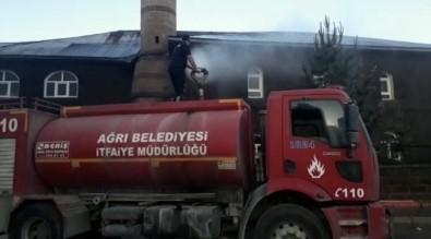 Ağrı'da İtfaiye Ekipleri Camileri Yıkadı