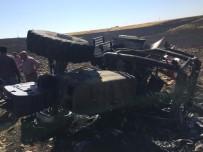 Anız Yangınlarını Söndürmek İsteyen 3 Traktör Küle Döndü