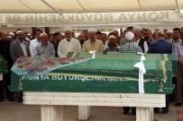 YOLCU OTOBÜSÜ - Cenaze Namazını Müftü Babası Gözyaşlarıyla Kıldırdı