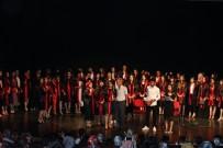 Liseli Öğrencilerden Coşkulu Mezuniyet Töreni