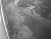 DUMLU - (Özel) Hırsızların Aracı Geri Geri İterek Çaldığı Anlar Kamerada