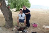 Sıcak Hava Vatandaşı Anadolu'nun Plajına Akın Ettirdi