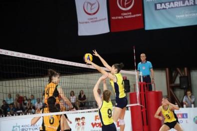 Voleybol Yıldız Kızlar Kategorisi'nde Elemeli Final Zamanı