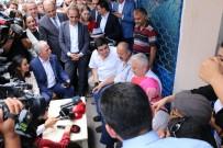 Binali Yıldırım Sancaktepe'de Vatandaşlarla Çay İçti