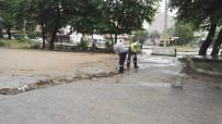 Körfez'de Yağmur Sonrası Mazgallar Temizlendi
