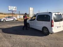 TRAFİK KANUNU - Siirt'te Çeşitli Suçlardan Aranan 3 Şahıs Yakalandı