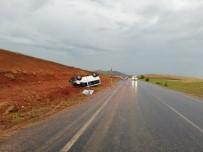 Sivas'ta Minibüs Devrildi Açıklaması 10 Yaralı
