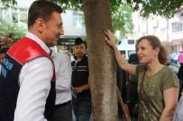 BAHÇELİEVLER BELEDİYESİ - Başkan Bahadır, Çevre Etkinlikleri Kapsamında Caddeyi Yıkadı