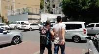 HAPİS CEZASI - E-5 Karayolu'nda Otomobille 'Makas' Atan Sürücülere 4 Bin 8 Lira Ceza
