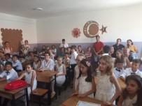 MILLI EĞITIM BAKANı - Foça'da Karne Heyecanı
