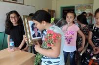 GENÇ ÖĞRETMEN - Trafik Kazasında Ölen Öğretmenin Sınıfında Duygu Yüklü Karne Töreni