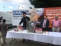 Esenler'de Sınava Öncesi Öğrenciler Ve Ailelerine Çay, Çorba Ve Su Dağıtıldı